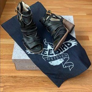 Freebird Claw Sandals